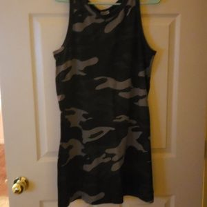 Evereve Camouflage dress